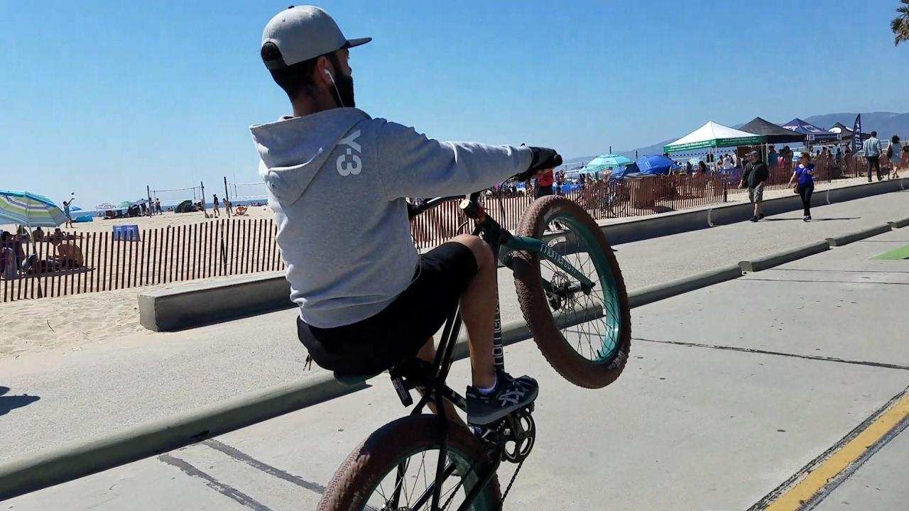 Bike Ride From Venice Beach To Santa Monica Pier Bonus Street Performers