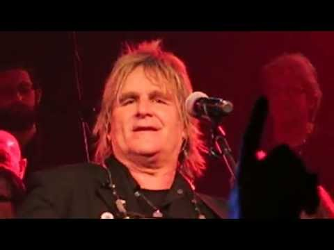 Mike Peters  The Alarm  68 Guns  The Gathering 2015