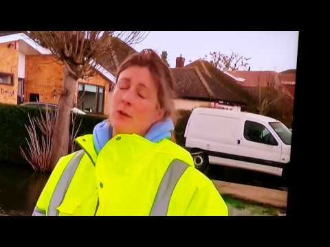 UK Floods 2014: Wraysbury Will Not Go Under
