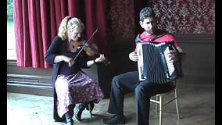 """Buck Mountain"" and ""Levis Beaulieu"" - A set of two Contra dance reels on Violin and Accordion duo"
