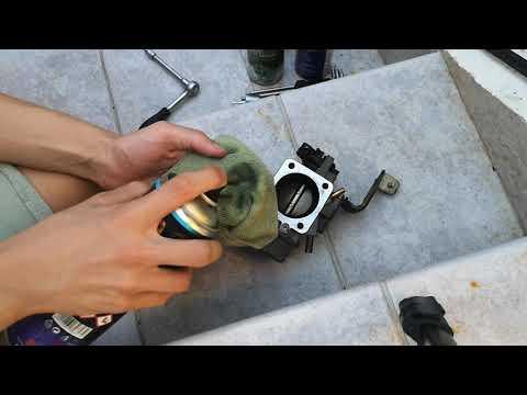 Skoda Felicia Throttle Body Cleaning - Removal