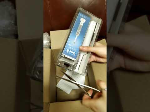 Электрическая зубная щетка ORAL-B BRAUN Vitality 3D White/D100 White (4210201262756)