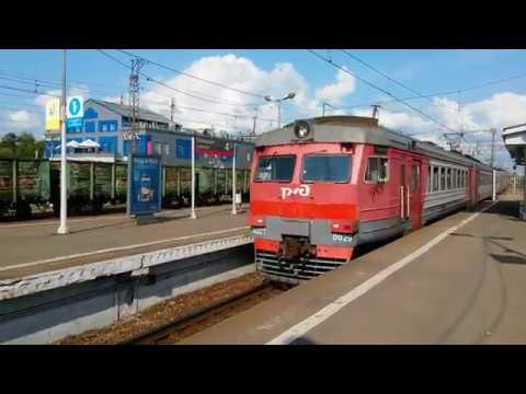 Электропоезд ЭД2Т - 0029 на станции Голицыно