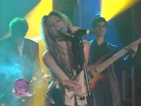 Shakira - `` Que Me Quedes Tu `` ~ Live at Otro Rollo 02.19.02 mp3