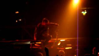 30 Seconds To Mars - L490 (Live)