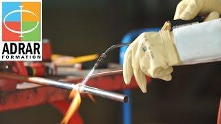 Métier du Bâtiment : Plombier Chauffagiste(Regards croisés sur le métier et la formation de plombier chauffagiste à travers 2 points de vue convergeant au sein du centre de formation ADRAR : Cyril, ..., 2016-10-19T21:54:39.000Z)
