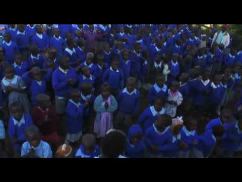 MCEDO: A Volunteer-Run School in the Slum (Part 1/4)