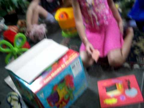 Brincando com as crianças *-* ▶2:35