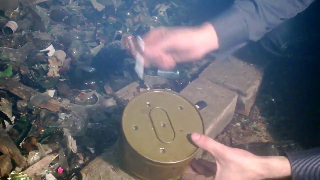 Большая армейская дымовая шашка ДМ 11 - YouTube