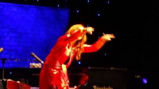 Invisible Boy (+ Snippets of Playboy Mummy) - Tori Amos live in Vienna, 06.06.2014