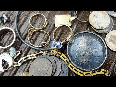 Magnet fishing 2015 finding chests n lez truhly doovi for Magnet fishing finds