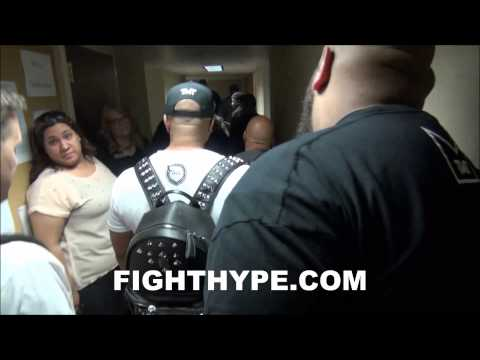 BEHIND THE MOMENT PART 1: FLOYD MAYWEATHER PLACES A BET AFTER GRAND ARRIVAL