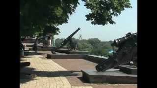 Город Чернигов летом. Некоторые памятные места.(В этом видео ролике можно посмотреть на исторические места древнего украинского города Чернигова. Качеств..., 2013-03-18T21:53:27.000Z)