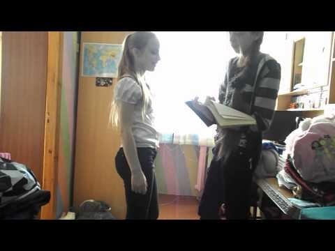 Девушки учатся сосать у парней