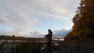 Вечерняя рыбалка на реке