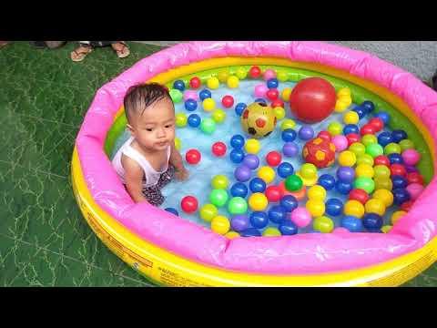 unboxing-kolam-renang-anak-bundar-bayi-lucu-mandi-cute-baby-bath-time