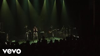 Phantogram - Bad Dreams (Vevo LIFT Live)