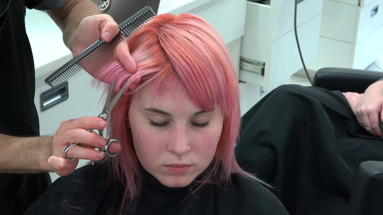 the sexiest haircut shag youtube cutting the mullet shag haircut youtube