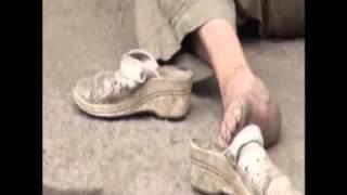 Минздрав признал врачей виновными в смерти женщины в Алматы(Минздрав признает вину врачей в смерти женщины у ворот алматинской больницы. Напомню, скандал разгорелся..., 2013-07-24T11:33:13.000Z)