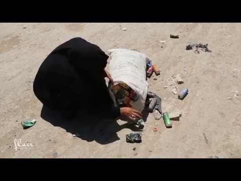 Iraq, Wasit   Searching in the landfills for a  living