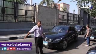 بالفيديو والصور.. الحزن يخيم على حسن حمدى بعد وفاة طارق سليم