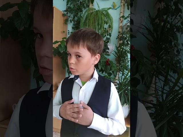 Изображение предпросмотра прочтения – СергейМихеев читает произведение «Майор привез мальчишку на лафете» К.М.Симонова
