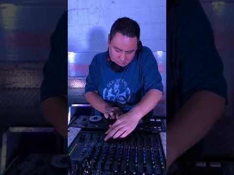 Pez Dj Multimedios - Chicanas Old School Monterrey - Denon DJ DN-D6000