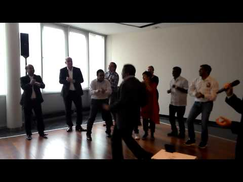 Khaike Pan Banaras waala with Karaoke by Aniruddha Patki, Hague Netherlands