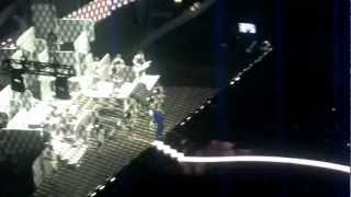Robbie Williams performs Candy at the Brits 2013
