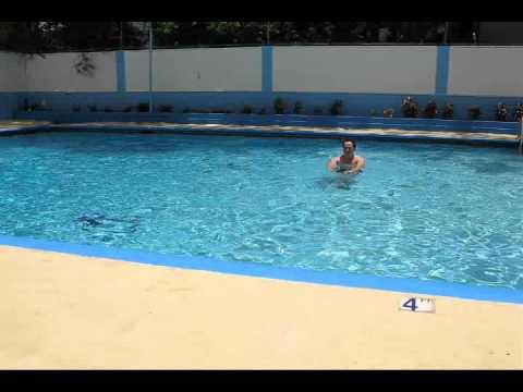 Rafi the trainer ejercicios en la piscina youtube for Ejercicios en la piscina