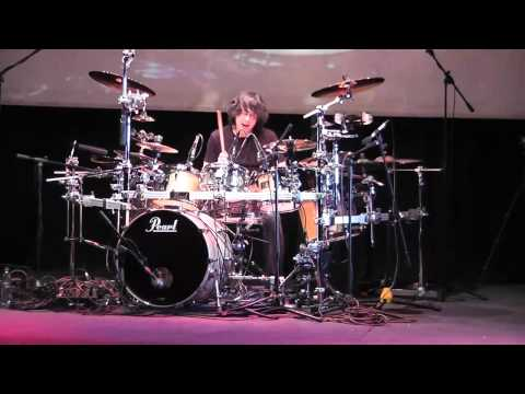 "Mike Mangini - Zidjian Day Santiago Chile interpretando ""No Zone"" de Annihilator (05-10-2010)"