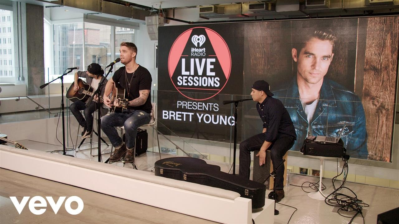 Brett Young - You Ain't Here To Kiss Me (Live op de Honda Stage bij iHeartRadio NY)