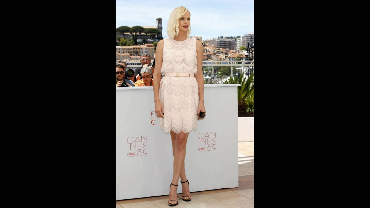Charlize theron shows off her feet and legs youtube charlize theron shows off her feet and legs voltagebd Choice Image