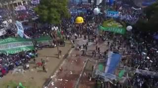 Plaza de Mayo: incidentes frente al escenario de la CGT 22/08/2017