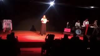 Baixar Lugar Secreto em Festival de Talentos - Tatiane Barbosa