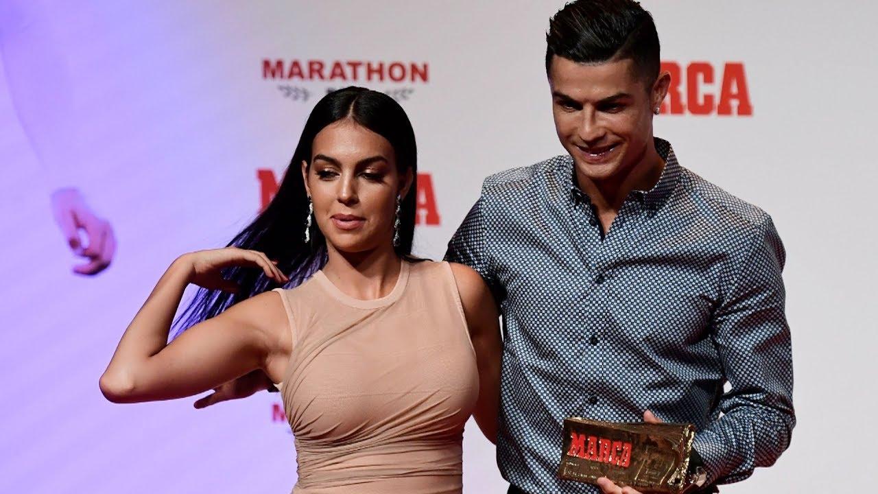 Криштиану роналду получил премию от global football