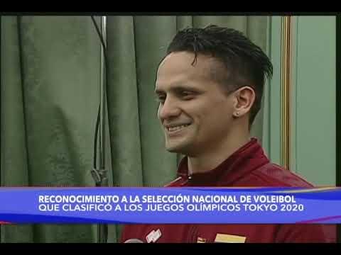 Maduro entrega reconocimiento a la selección de voleibol masculino que clasificó a Tokio 2020