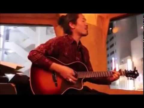 LASKAR PELANGI VERSI JEPANG. Orang Jepang nyanyi laskar pelangi dengan gitar