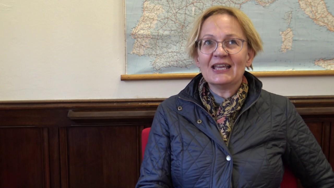 Glenda Sluga - Story