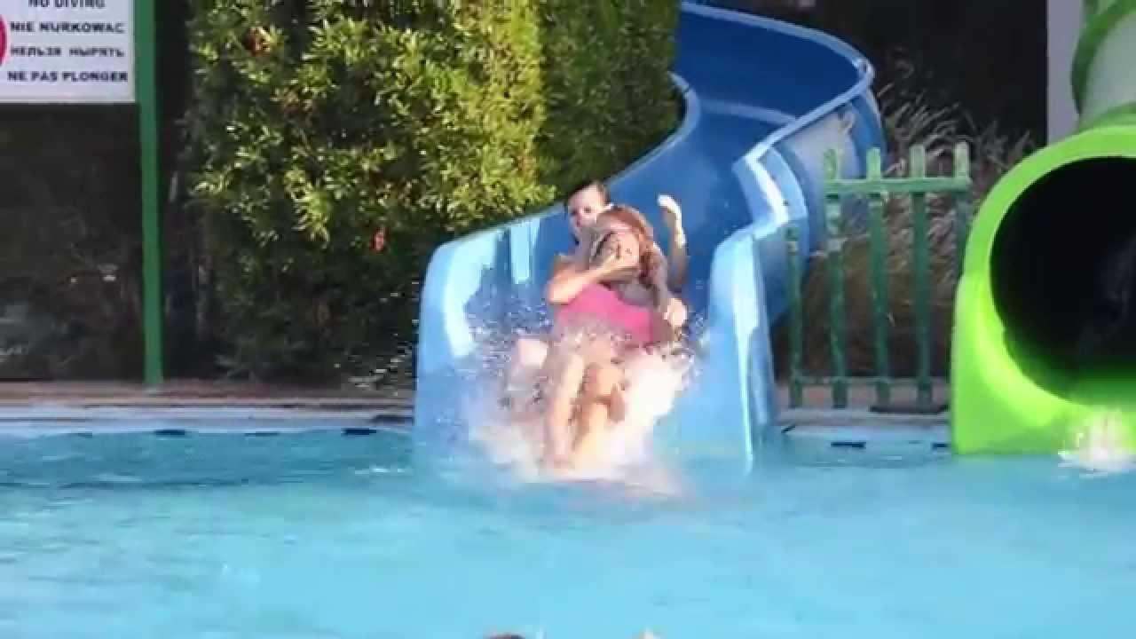 Нарезка лифчик аквапарке, видео два члена в попке девушки одновременно