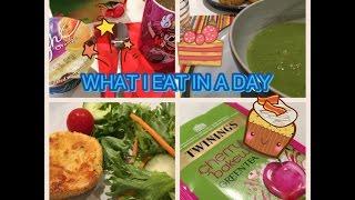 What I eat in a day #12 / Cosa mangio in un giorno con le polpette di ricotta | Vlogmas Day 7