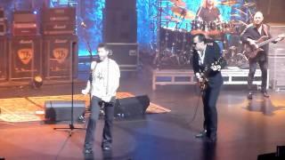 Joe Bonamassa with Paul Rodgers - Walk In My Shadow - Beacon Theatre 11-5-11.mov