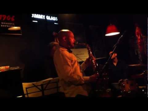 Miguel Zenón Quartet (Hans Glawischnig solo)  at Jimmy Glass Jazz Bar