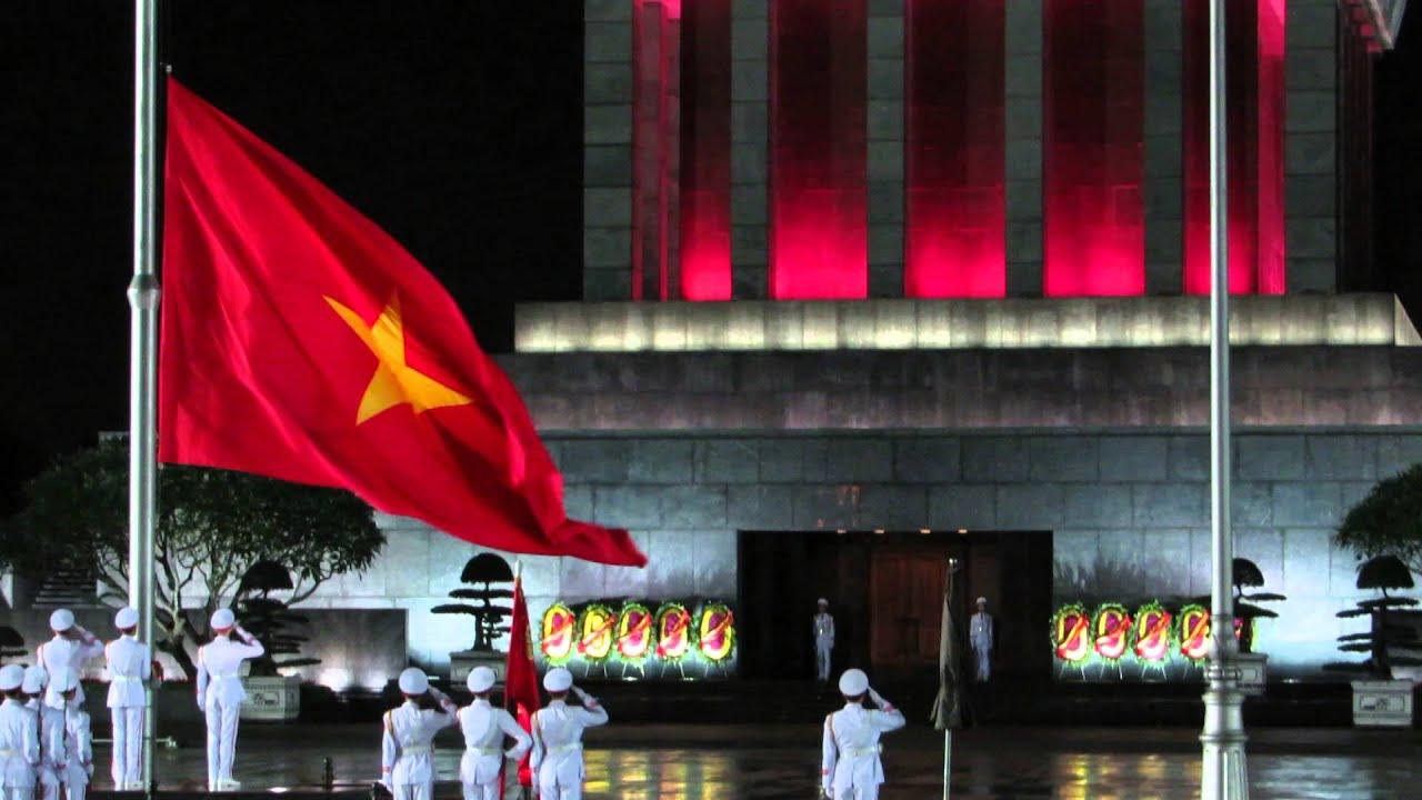 Lễ hạ cờ tại Quảng trường Ba Đình