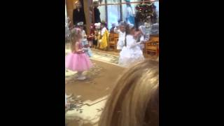 Танец снежинок детский сад 2015