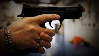 Hillary Clinton Takes NRA, Donald Trump, Jeb Bush to Task on Guns