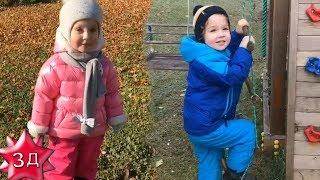 ДЕТИ ПУГАЧЕВОЙ И ГАЛКИНА: Лиза и Гарри с мамой Аллой Пугачевой и папой Максимом Галкиным на прогулке