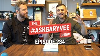 Oliver Luckett, Snapchat Spectacles Marketing & Leadership Qualities | #AskGaryVee 234