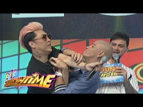 It's Showtime: Vice and Wacky get physical