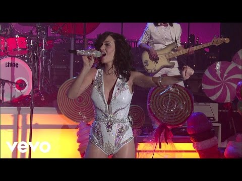 Katy Perry - California Gurls (Live on Letterman)
